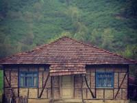 Melen Çayında Karşıma Çıkan Çizgili Ev