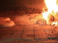 Odun Ateşinde Pişen Ekmeğin Kokusu